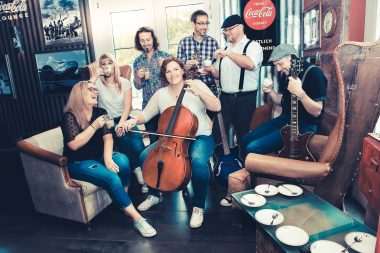 EddieS Music Lounge – Live Musik & Talk mit CAFÉ CON.CELLO koffeinfrei