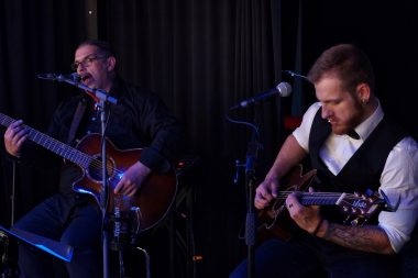 "EddieS Music Lounge - Live Musik & Talk mit Olli ROTH meets Robin Carpe ""It´s All Family Business"""